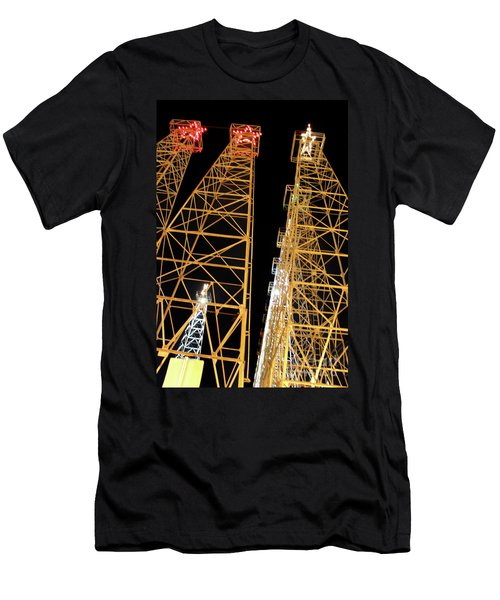 Looking Up At The Kilgore Lighted Derricks Men's T-Shirt (Athletic Fit)