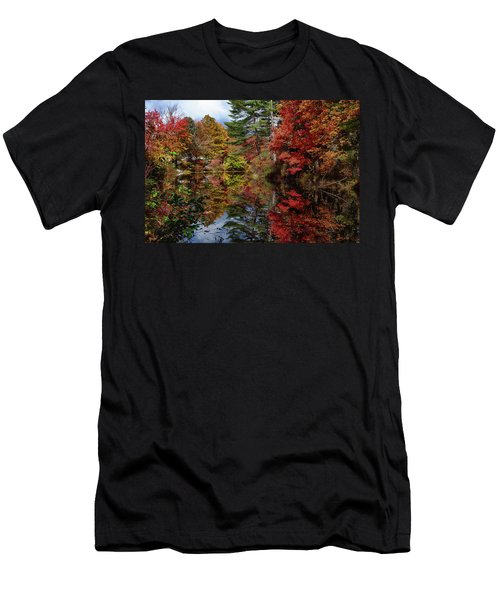 Men's T-Shirt (Athletic Fit) featuring the photograph Looking Up The Chocorua River by Jeff Folger