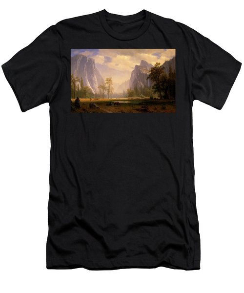 Looking Up The Yosemite Valley  Men's T-Shirt (Athletic Fit)