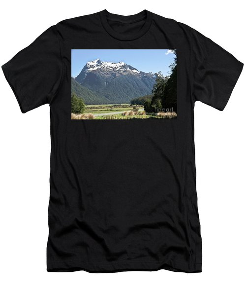 Lord Of The Rings Locations, New Zealand Men's T-Shirt (Athletic Fit)