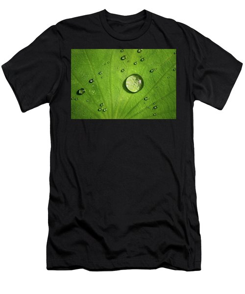 Lots Of Drops Men's T-Shirt (Athletic Fit)