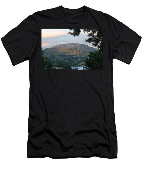 Lough Eske 4257 Men's T-Shirt (Athletic Fit)