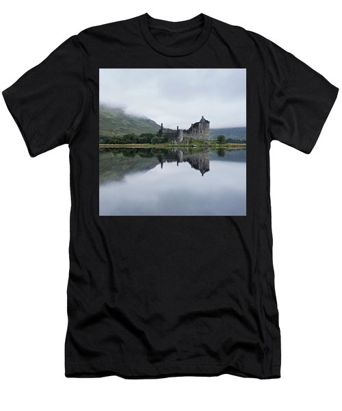 Low Mist At Kilchurn Men's T-Shirt (Athletic Fit)