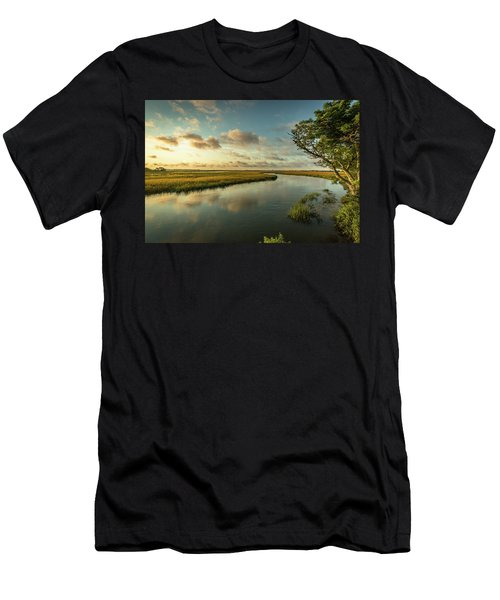 Pitt Street Bridge Creek Sunrise Men's T-Shirt (Athletic Fit)