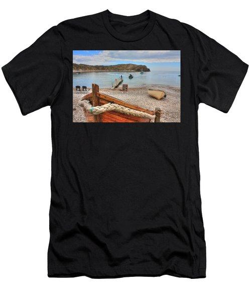 Lulworth Cove Men's T-Shirt (Athletic Fit)
