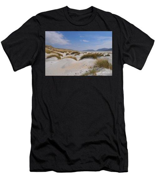 Luskentyre Sand Dunes Men's T-Shirt (Athletic Fit)