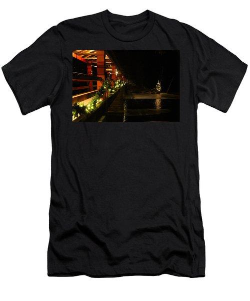 Lutsen Christmas Men's T-Shirt (Athletic Fit)