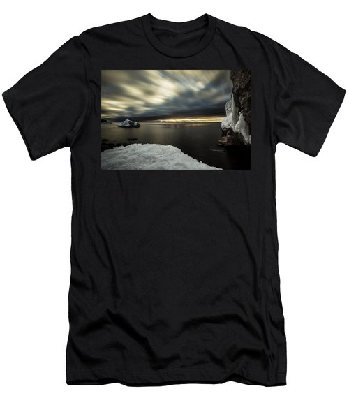 Lutsen Resort Men's T-Shirt (Athletic Fit)
