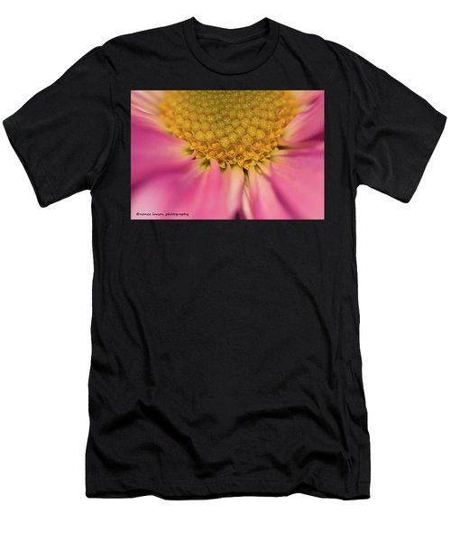 Macro Daisy Men's T-Shirt (Athletic Fit)