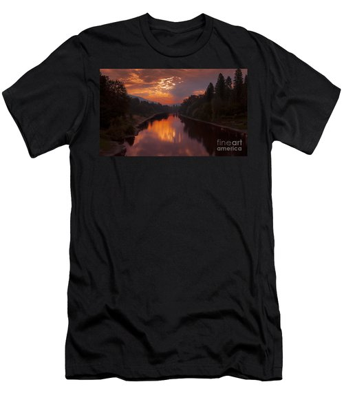 Magnificent Clouds Over Rogue River Oregon At Sunset  Men's T-Shirt (Athletic Fit)
