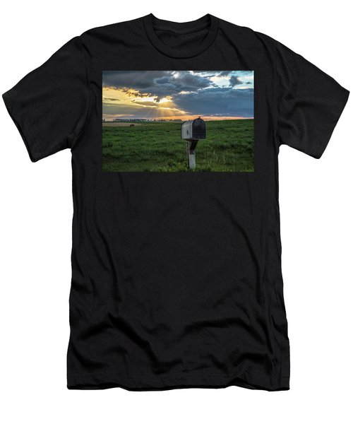 Mail Box In North Dakota  Men's T-Shirt (Athletic Fit)