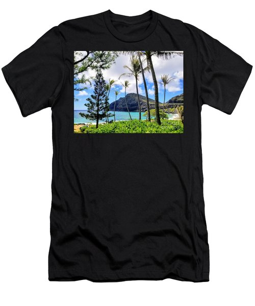 Makapuu Paradise Men's T-Shirt (Athletic Fit)