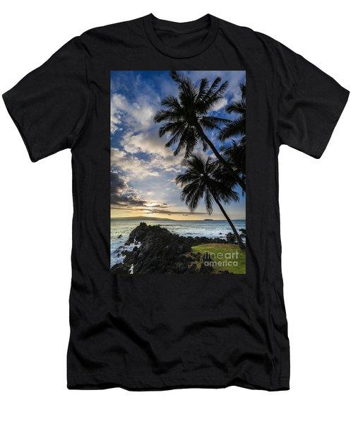 Makena Maui Hawaii Sunset Men's T-Shirt (Athletic Fit)