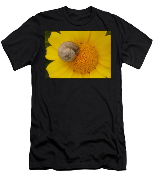 Malta Flower Men's T-Shirt (Athletic Fit)