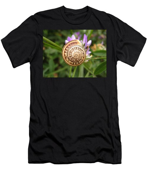 Malta Snail Men's T-Shirt (Athletic Fit)