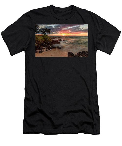 Maluaka Beach Sunset Men's T-Shirt (Athletic Fit)