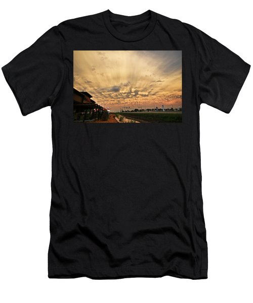Men's T-Shirt (Slim Fit) featuring the photograph Mammatus Over Yorkton Sk by Ryan Crouse
