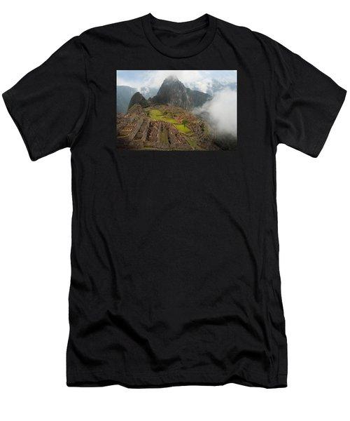 Manchu Picchu Men's T-Shirt (Athletic Fit)