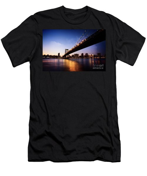 Men's T-Shirt (Athletic Fit) featuring the photograph Manhattan Bridge by Scott Kemper