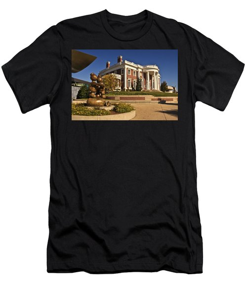 Mansion Hunter Museum Men's T-Shirt (Athletic Fit)