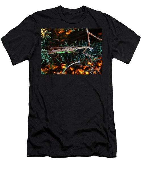 Mantis  Men's T-Shirt (Athletic Fit)