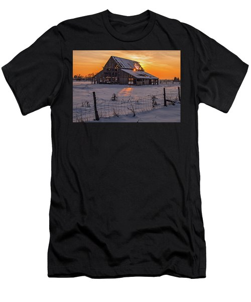 Men's T-Shirt (Athletic Fit) featuring the photograph Mapleton Barn by Wesley Aston