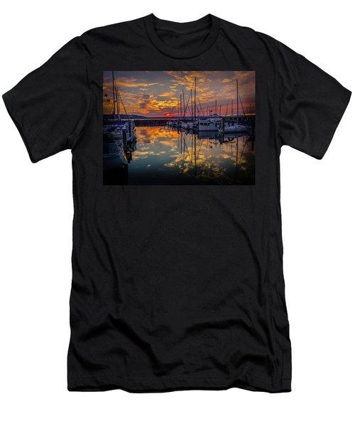 Marina Sunset Men's T-Shirt (Athletic Fit)