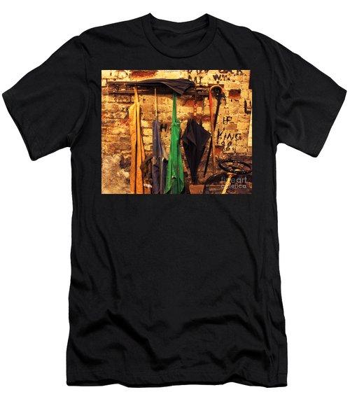 Mark Twain's Coat Rack Men's T-Shirt (Athletic Fit)