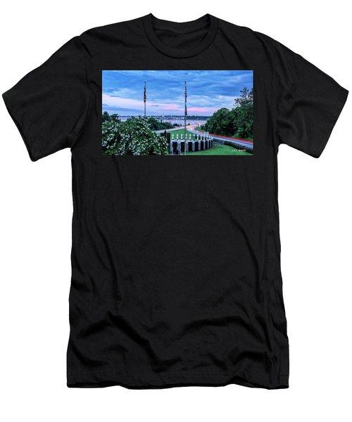 Maryland World War II Memorial Men's T-Shirt (Athletic Fit)