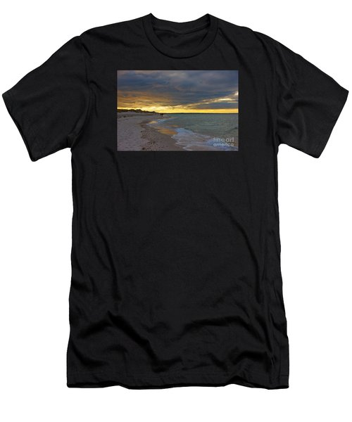 Mayflower Beach Walk Men's T-Shirt (Athletic Fit)