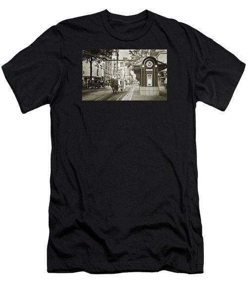 Memphis Carriage Men's T-Shirt (Athletic Fit)