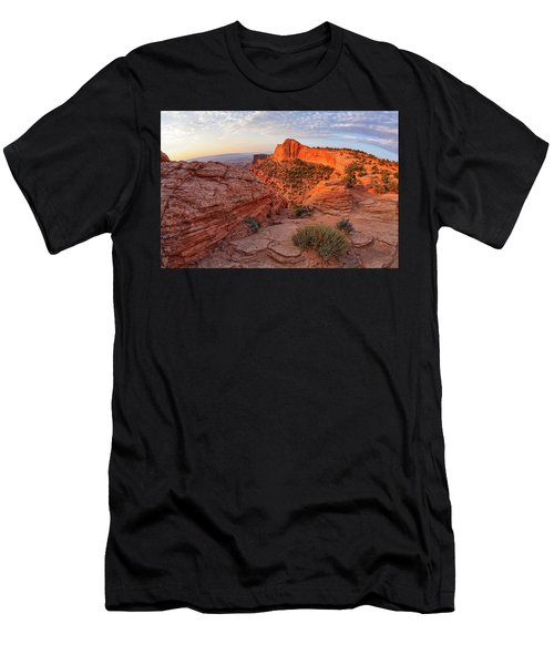 Mesa Arch Overlook At Dawn Men's T-Shirt (Athletic Fit)