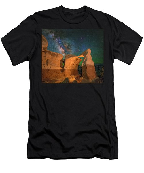 Metate Arch Men's T-Shirt (Athletic Fit)