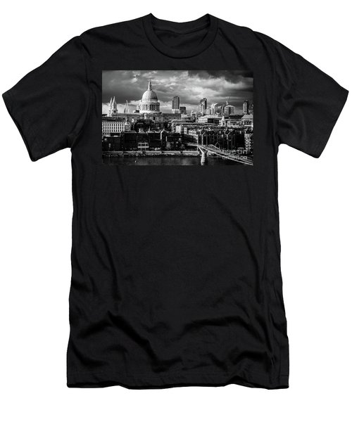 Milennium Bridge And St. Pauls, London Men's T-Shirt (Athletic Fit)