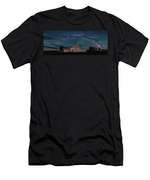 Milky Way Arch Over Moulton Barn Men's T-Shirt (Athletic Fit)