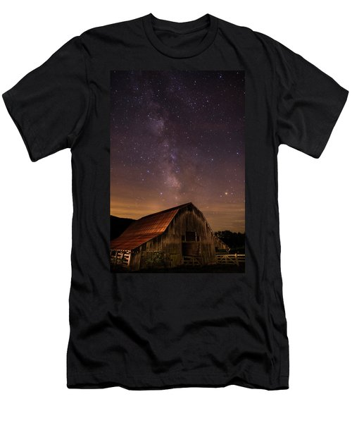 Milky Way Over Boxley Barn Men's T-Shirt (Athletic Fit)
