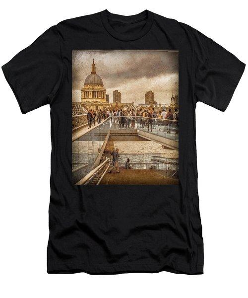 London, England - Millennium Bridge II Men's T-Shirt (Athletic Fit)