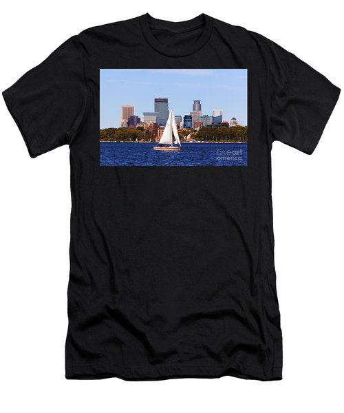 Minneapolis Skyline Lake Calhoun Sailing Men's T-Shirt (Athletic Fit)