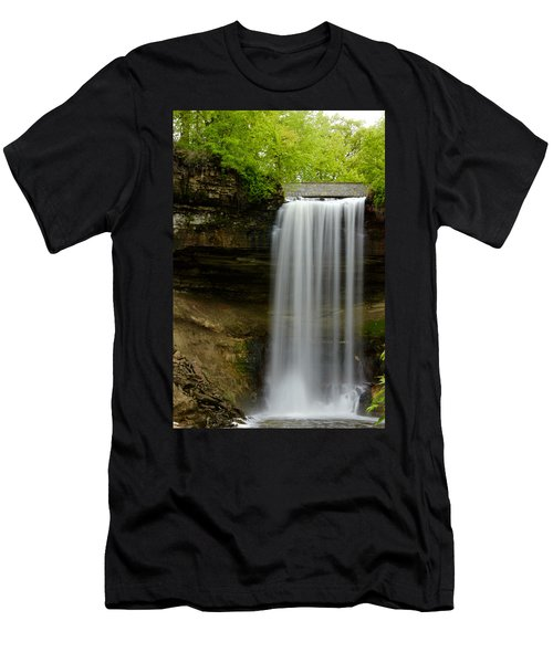 Minnehaha Falls Men's T-Shirt (Athletic Fit)