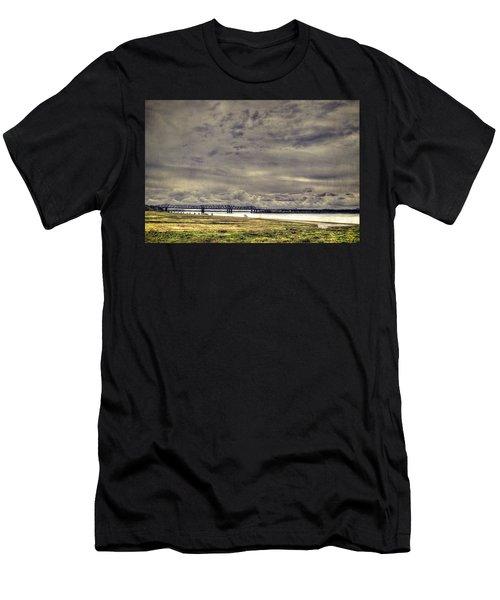 Mississipi River Men's T-Shirt (Athletic Fit)