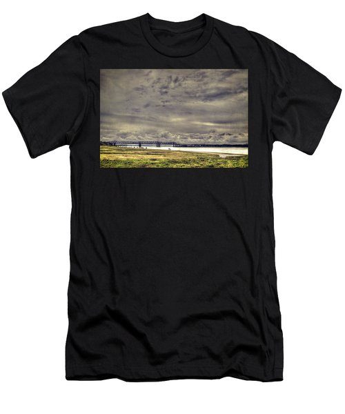 Mississipi River Men's T-Shirt (Athletic Fit)
