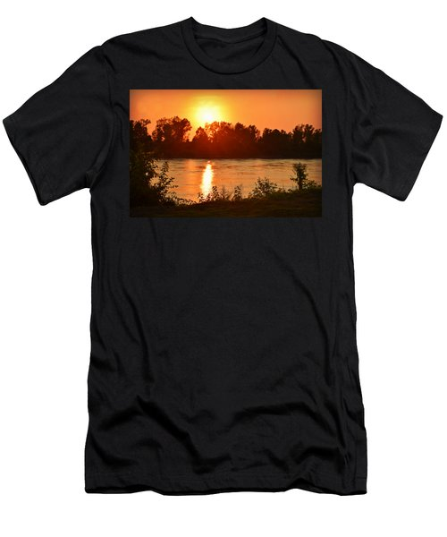 Missouri River In St. Joseph Men's T-Shirt (Athletic Fit)