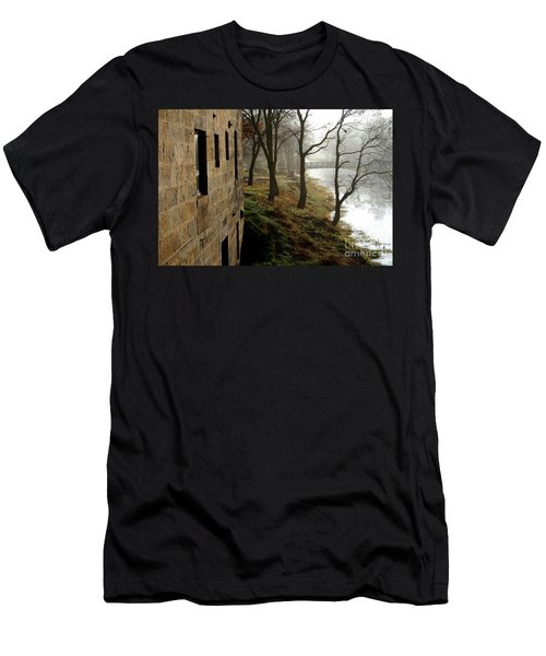 Misty Morning On The Illinois Michigan Canal  Men's T-Shirt (Athletic Fit)