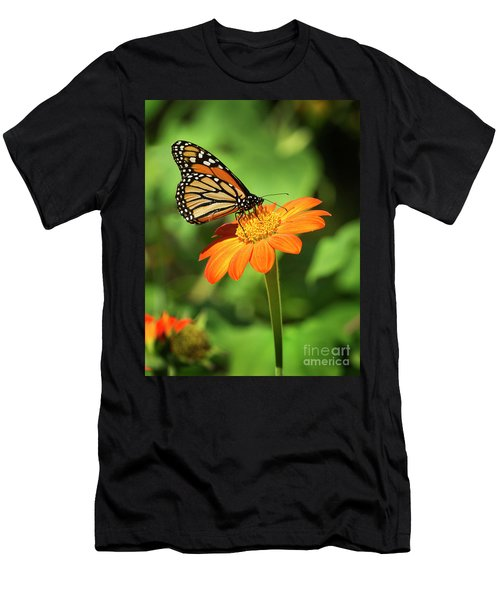 Monarch Butterfly II Vertical Men's T-Shirt (Athletic Fit)