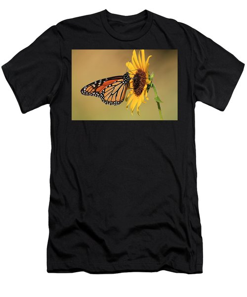 Monarch Butterfly On Sun Flower Men's T-Shirt (Athletic Fit)