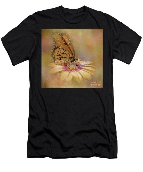 Monarch On A Daisy Mum Men's T-Shirt (Athletic Fit)