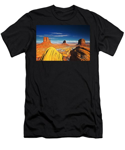 Monument Valley Mittens Utah Usa Men's T-Shirt (Athletic Fit)