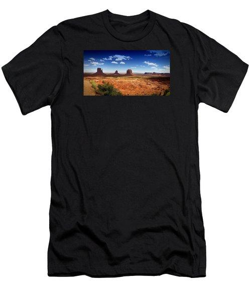Monument Valley Utah Men's T-Shirt (Athletic Fit)