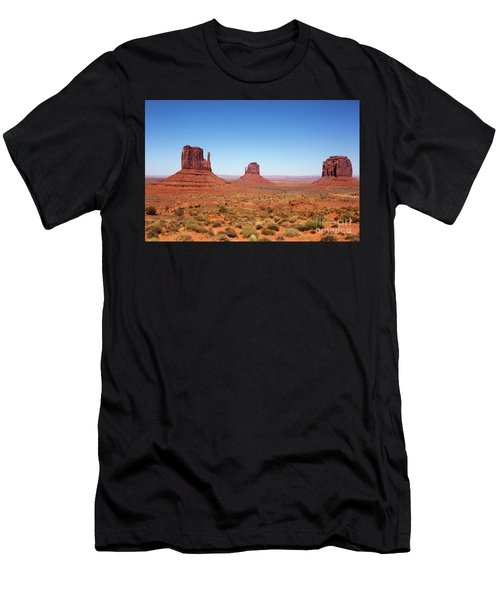 Monument Valley Utah The Mittens Men's T-Shirt (Athletic Fit)