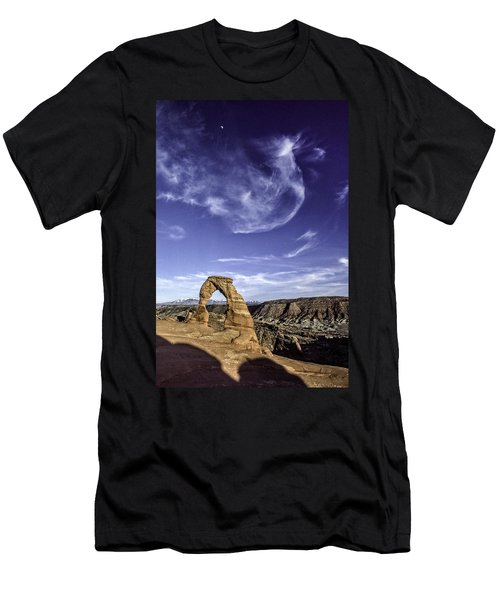 Moonset Delicate Arch Men's T-Shirt (Athletic Fit)